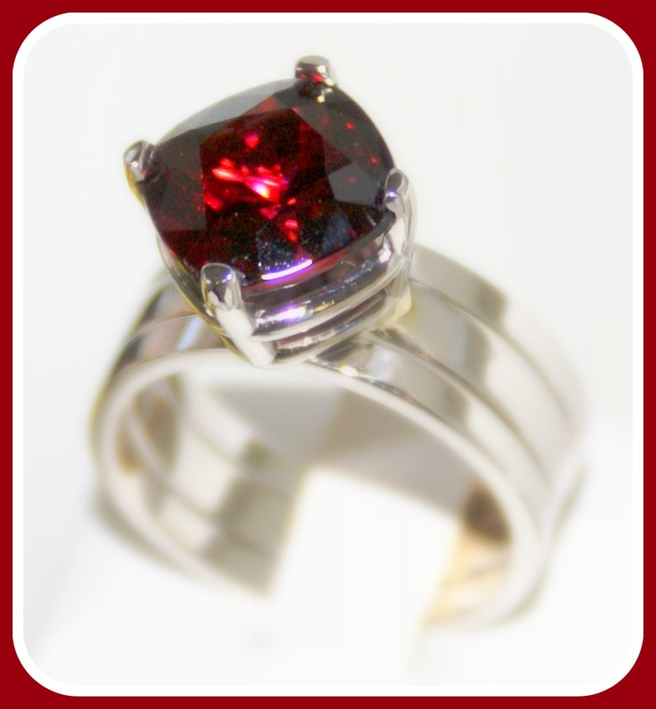 Cushion Garnet in Platinum